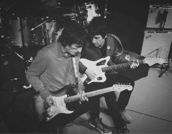 Johnny Marr y Ronnie Wood