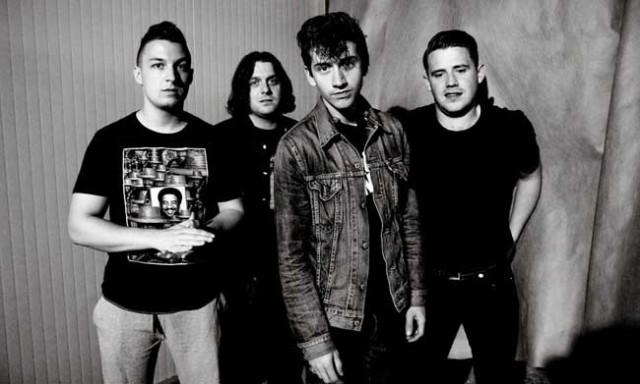 Arctic-Monkeys-AM-2013