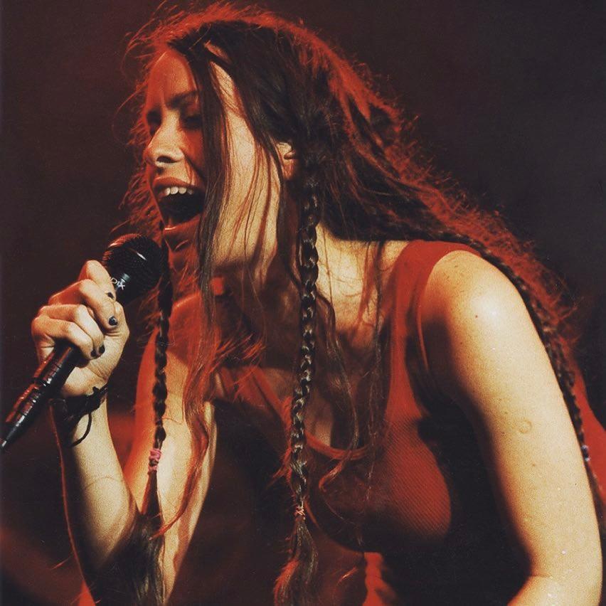 Alanis Morissette prepara musical basado en su reconocido álbum