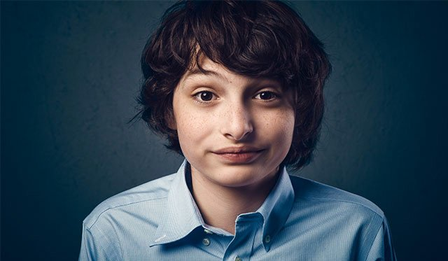 Actor de la serie sorprende con nueva faceta — Stranger Things