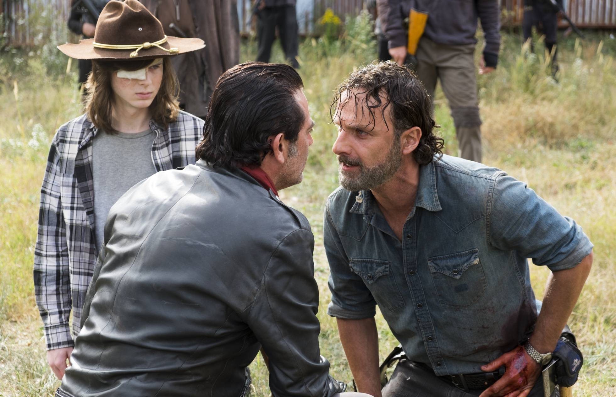 Fans de The Walking Dead odian al director de la serie