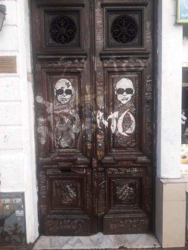 Las puertas de la casa de luca prodan fueron recuperadas a su anterior estado - La casa de luca ...