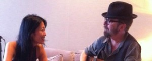 Jihae y Dave Stewart se unen por caridad